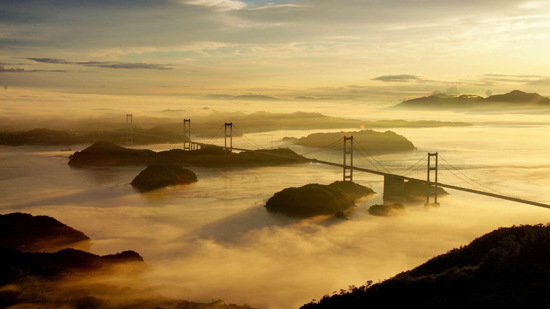 亀老山から望む来島海峡大橋 by FIND47.JP